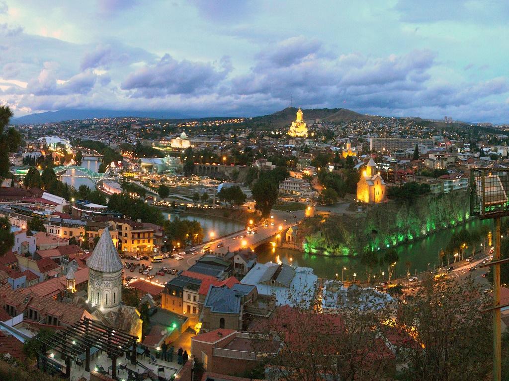 Вид на Тбилиси.jpg