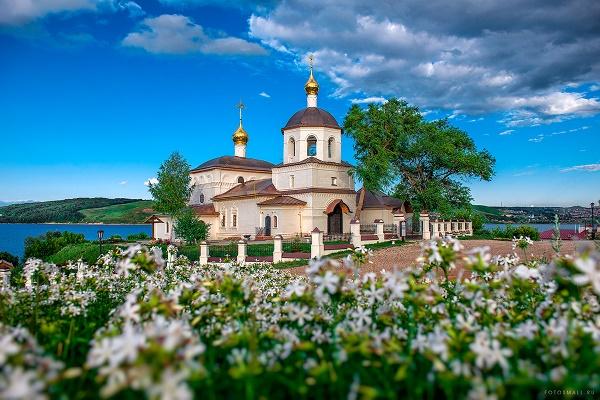 Свияжск Церковь св.Константина и Елены.jpg