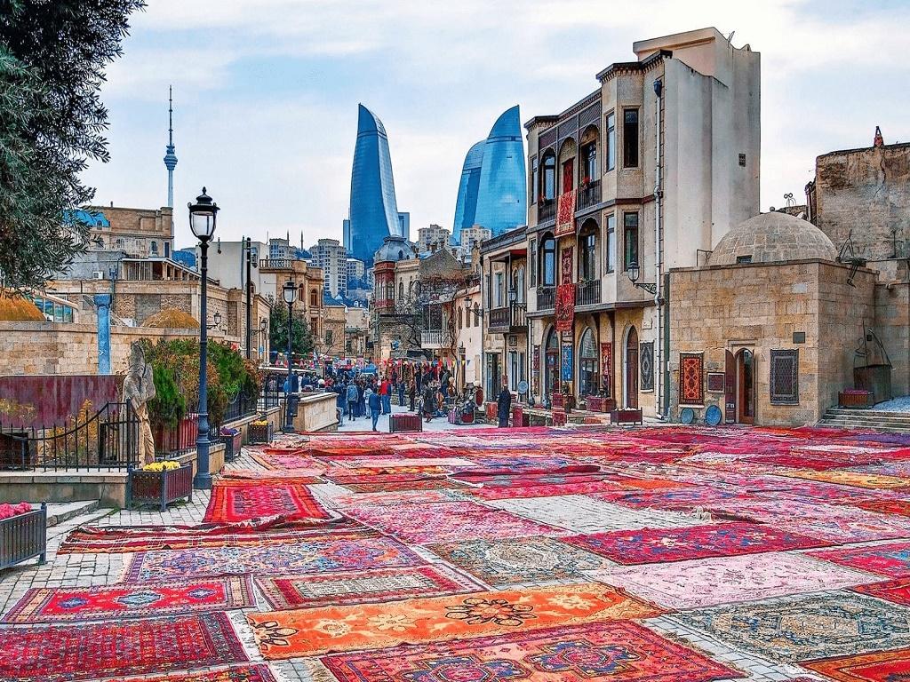 Экскурсионный ту на выходные в Баку из Волгограда турфирм И-Волга осмотр Ичеришехер -Старый город.jpg