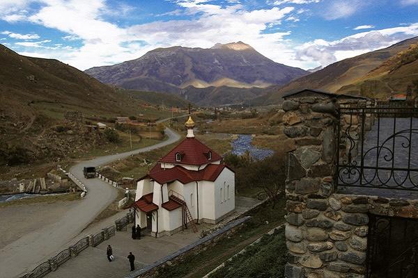 монастырь рядом с п.Верхний Фиагдон.jpg