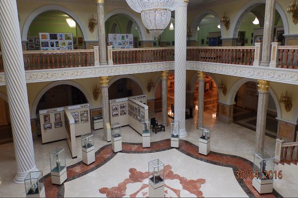 В музее Кадырова.png