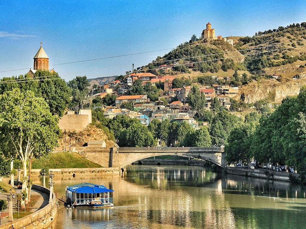 тур выходного дня в Грузию Тбилиси туроператор И-Волга.jpg