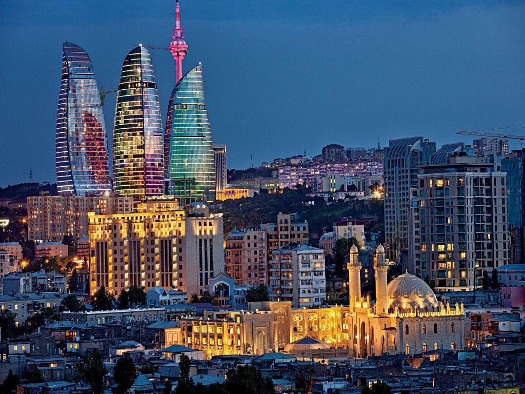 тур выходного дня в Баку из Волгограда туроператор И-Волга — копия.jpg